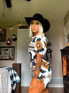 Cute Cowgirl Outfits, Western Outfits Women, Country Style Outfits, Southern Outfits, Rodeo Outfits, Country Fashion, Country Wear, Cute Casual Outfits, Fall Outfits