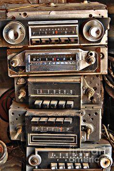 Soundwiche - photograph by Lee Craig via @leeseesart #entertainment #vintage #technology