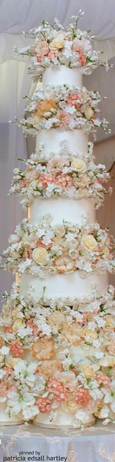 Delicately Detailed Chicago Wedding with Jewish + Christian Customs Beautiful Wedding Cakes, Beautiful Cakes, Amazing Cakes, Cupcakes, Cupcake Cakes, Flower Cake Design, Dream Cake, Wedding Cake Designs, Sugar Flowers