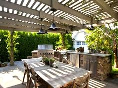 Love this out door space and, the Table!