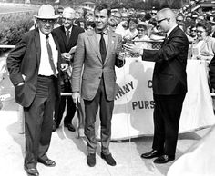 From the Archives: Johnny Carson draws a crowd at Ak-Sar-Ben racetrack in 1969