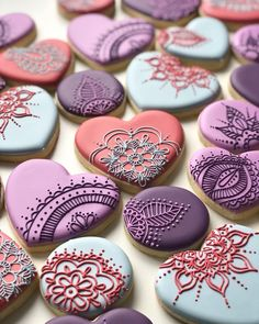 Kiiiiinda obsessed with these Cutters by . Fancy Cookies, Valentine Cookies, Iced Cookies, Sugar Cookies, Valentines, Red Sox Cake, Sugar Cookie Royal Icing, Cookie Decorating Party, Patterned Cake