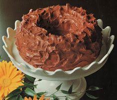 Keiner zu klein,köstlich zu sein !: Choco-Rahm. Chocolat-Biskuit . Chocolat-Rahm : 100... Pie, Desserts, Food, Biscuit, Food Food, Recipies, Torte, Tailgate Desserts, Cake