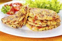 Chiftelutele din legume la cuptor pot reprezenta un delicios mic dejun, o gustare intre mese sau un aperitiv sanatos si aspectuos. Sunt usor de preparat si vor reprezenta o optiune culinara interesanta pentru cei mici.