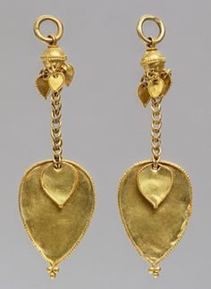 Pair of earrings, Three Kingdoms period, Gaya Federation (42–562), late 4th–early 5th centuryKoreaGold