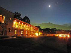 ¡En este mes de la Amistad y del Amor ven a disfrutar de un Hotel de Lujo, Romántico y Exclusivo en Finca Filadelfia!  #fincafiladelfia #filadelfiahotel #hotelesantigua #guatemala #fullmoon #night
