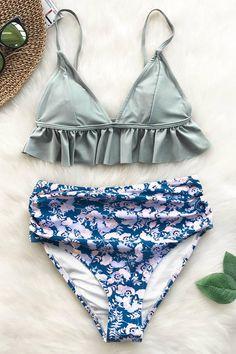932f062fa9a27 Magic Crystal Falbala Bikini Set - Cupshe - Walk barefoot across the sand  wearing this bikini set.