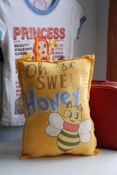 T pillows 015 [1024x768]