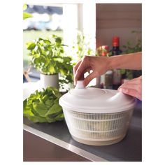 IKEA - TOKIG, Salad spinner, white, The bowl can also be used for serving. Kitchen Items, Kitchen Gadgets, Kitchen Appliances, Pop Up Toaster, Potato Peeler, Ikea Usa, Salad Spinner, Heat Resistant Glass, Tiny Studio