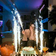 girl, pretty e korean imagem no We Heart It Cute Birthday Pictures, Birthday Photos, Birthday Photography, Girl Photography Poses, Photographie Indie, Korean Birthday, Birthday Goals, Happy Birthday Girls, Uzzlang Girl