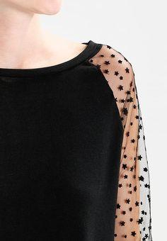 Vêtements Aaiko SERENA  - Pullover - black noir: 79,95 € chez Zalando (au 8/09/17). Livraison et retours gratuits et service client gratuit au 0800 797 34.