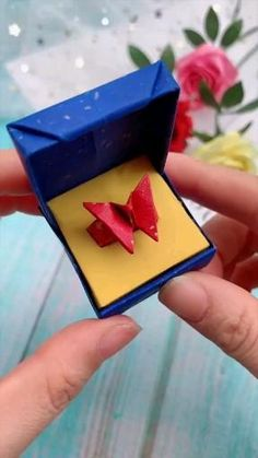 Creative handicraft - creative crafts let's do together!😘😘😍😍 - Diy Crafts Hacks, Diy Crafts For Gifts, Creative Crafts, Crafts For Kids, Stick Crafts, Handmade Crafts, Handmade Rugs, Cool Paper Crafts, Paper Crafts Origami