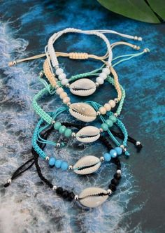 The sterling silver bracelets have actually been preferred among females. These bracelets are available in various shapes, sizes and designs. Diy Bracelets Easy, Summer Bracelets, Bracelet Crafts, Cute Bracelets, Ankle Bracelets, Jewelry Crafts, Beaded Bracelets, Homemade Bracelets, Shell Bracelet
