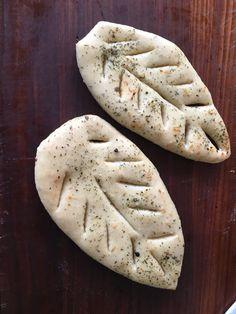 - Trudels glutenfreies Kochbuch - Knoblauch-Kräuterblätter (Fougasse) - glutenfreie, laktosefreie und vegetarische Rezepte für Brot, Kuchen und mehr!