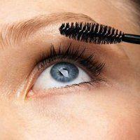 Maquillage yeux bleus : les astuces pour illuminer votre regard oc�an !