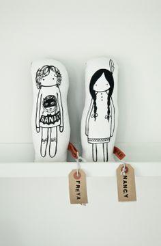 naked lunge dolls @ coos-je.nl