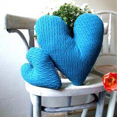 Cat.in.the.closet / Romantika v modrej - recy svetríkové srdiečka