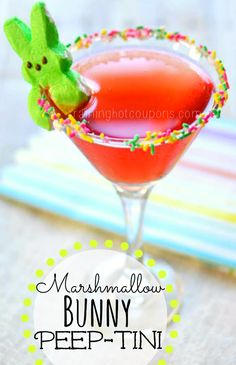 Marshmallow Bunny Peep-Tini (Easter Martini) Gives Easter brunch a new spin Easter Drink, Easter Cocktails, Easter Peeps, Hoppy Easter, Holiday Drinks, Easter Dinner, Easter Brunch, Easter Treats, Party Drinks