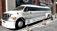 Ford F650 Limousine. ★。☆。JpM ENTERTAINMENT ☆。★。