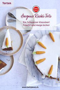 Ein mega leckerer und feuchter Karotten Kuchen, oder auch genannt Rüeblikuchen. Der Klassische Look erlangt es mit der Puderzucker Glasur. Marzipan, Camembert Cheese, Sugar, Cookies, Desserts, Food, Powdered Sugar Glaze, Cherries, Backen