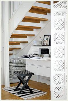Under stairs office nook. Under stairs office nook. Space Under Stairs, Open Stairs, Floating Stairs, Office Under Stairs, Desk Under Stairs, Staircase Storage, Stair Storage, Garage Storage, Staircase Ideas