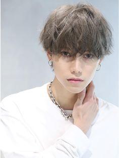 Cute Japanese Guys, Hair Inspo, Hair Inspiration, Messy Short Hair, Androgynous Hair, Wavy Hair Men, Shot Hair Styles, Dream Hair, Stylish Hair