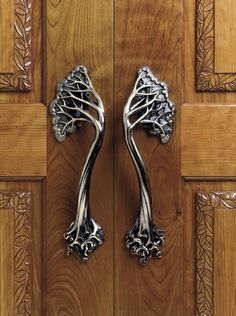 Hedgerow Entry Door Handle - Interior Design Idea in  I love trees!!! Together as a door handle, perfection!!!