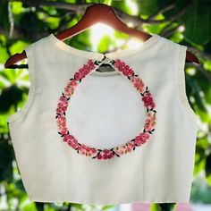Top 30 Latest And Trendy Blouse Designs For Back Neck Here are th. - Top 30 Latest And Trendy Blouse Designs For Back Neck Here are the latest 30 blouse - Stylish Blouse Design, Saree Blouse Neck Designs, Fancy Blouse Designs, Latest Blouse Designs, Choli Blouse Design, Churidar Neck Designs, Shirt Designs, Sari Design, Hd Design