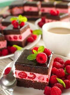 Cake Bars, Homemade Cakes, Yummy Food, Desserts, Top, Sweet Recipes, Mascarpone, Tailgate Desserts, Deserts