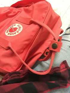| 『˗ˏˋPinterest - @strawberrymurlk ˎˊ˗』 Yellow Kanken, Fjallraven, Aesthetic Backpack, Kanken Backpack, Nice Things, Haikyuu, Suitcase, Trainers, Chill
