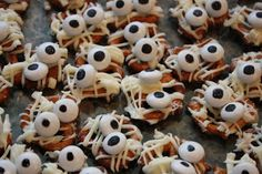 Mummy pretzels for a fun Halloween treat