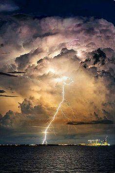 Elemi erők Ground Lightning, Lighting Storm, Extreme Weather, Nature Photography, Tornadoes, Thunderstorms, Storm Clouds, Thunder Clouds, Weather Storm