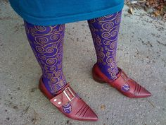 Very cool Klimt stockings and Truth Pilgrim shoes! by Sarah Ovenall, via Flickr