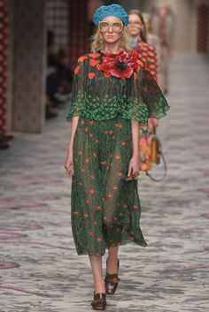 Gucci Ready to Wear Spring 2016. Interesting floral print dress, terrible styling.