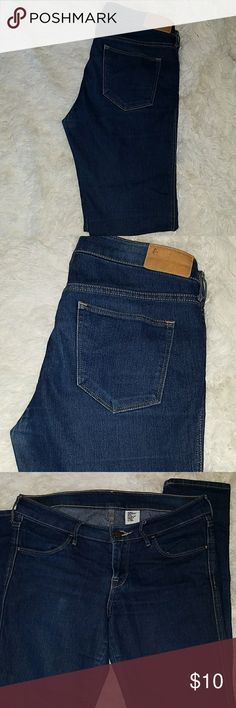 H & M jeans Good used condition, skinny, low waist H&M Jeans Skinny