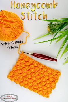 Learn how to crochet the Honeycomb stitch using this detailed Photo and Video Tutorial. This Honeycomb Stitch is super easy to learn with this Photo & Video Tutorial. It has lots of texture and dimension on one side of the crochet swatch. Crochet Stitches For Beginners, Crochet Stitches Patterns, Crochet Designs, Knitting Patterns, Unique Crochet Stitches, Beginner Crochet, Free Knitting, Crochet Gifts, Crochet Yarn