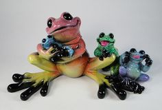 Kitty's Critters FULL HOUSE Mommy Frog with Babies