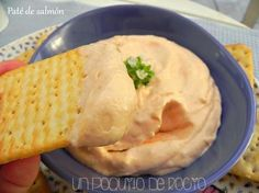 Paté de salmón casero: cuando lo pruebes no podrás parar Kitchen Recipes, Cooking Recipes, Healthy Recipes, Appetizer Dips, Appetizer Recipes, Party Dip Recipes, Food Decoration, Homemade Sauce, Dairy Free Recipes