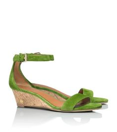 SAVANNAH SUEDE WEDGE SANDAL - LEAF GREEN