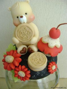CLUB OF THE FRIENDS OF THE MANUALIDADES (page 127) | Learning crafts is easyisimo.com Diy Clay, Clay Crafts, Clay Bear, Crafts With Glass Jars, Cold Porcelain Flowers, Decorated Jars, Fondant Figures, Pasta Flexible, Polymer Clay Creations