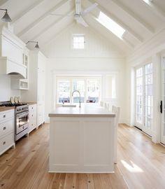Luxurious English Farmhouse Design in Small Design: Striking New England Farmhouse Interior Modern Kitchen Design