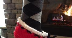 See hints and tips also! Knit Slippers Free Pattern, Knitted Slippers, Knitting Patterns Free, Free Knitting, Crochet Patterns, Knitting Socks, Crochet Baby, Shoe, Running