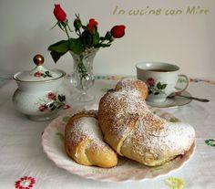 #gialloblogs #ricetta #foodporn Cornetti pasta brioche-Ricetta base | In cucina con Mire