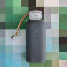 SQUIREME GLASS BOTTLE Y1 ANTHRA – Kladi Glass Water Bottle, Glass Bottles, Drinks, Drinking, Beverages, Drink, Beverage