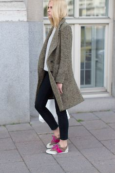 Loving the trench style coat for winter this year, especially with a super cute, casual look. #FashionForever