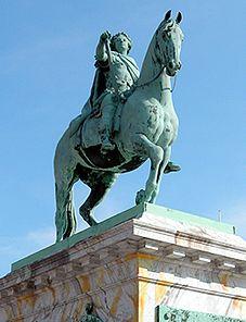 En rytterstatue af Christian d. 4.  Vi har valgt at perspektivere denne til rytterstatuen af Kejser Marcus Aurelius.