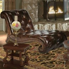 Victorias Manor Leather Chaise