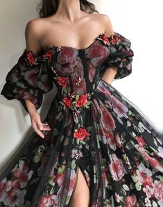 Details - Black dress - Tulle and silk flowery fabric - Handmade embroidery details - Ball-gown dress with long sleeves and an open leg - Party and evening dress vestidos Scarlet Love TMD Gown Ball Gown Dresses, Tulle Dress, Evening Dresses, Dress Up, Prom Dresses, Formal Dresses, Wedding Dresses, Gown Wedding, 80s Dress