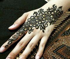 Nail henna