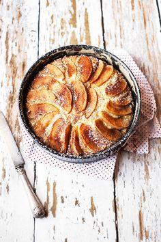 Torta di Mele Vegan con Farina di Mais e Olio di Oliva per uno stampo di 24cm di diametro farina 00 250 gr farina di mais fioretto 180 g...